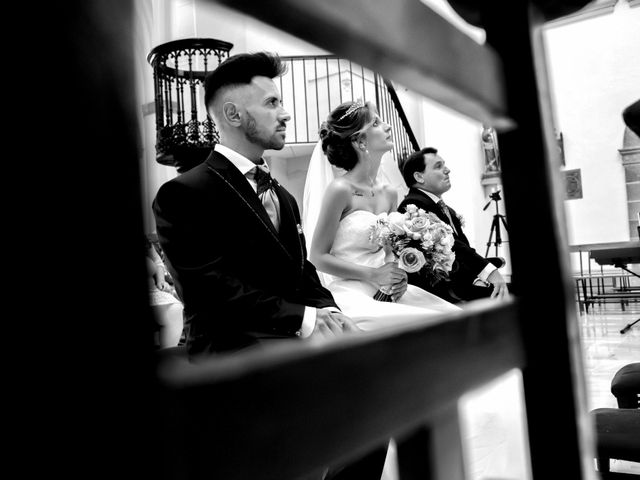 La boda de Soraya y Santi en Villafranca De Los Barros, Badajoz 25