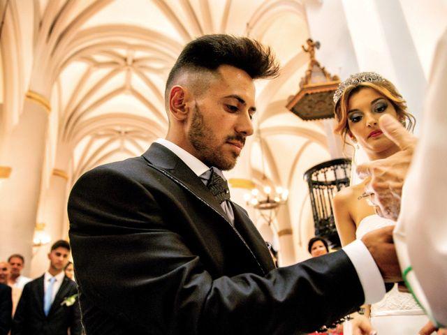 La boda de Soraya y Santi en Villafranca De Los Barros, Badajoz 28