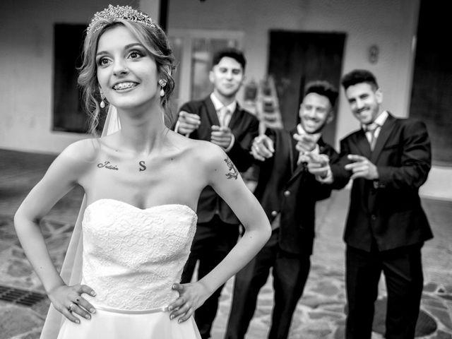 La boda de Soraya y Santi en Villafranca De Los Barros, Badajoz 43