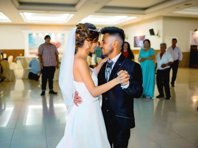 La boda de Soraya y Santi en Villafranca De Los Barros, Badajoz 52