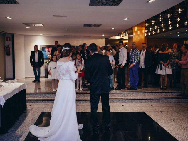 La boda de Gabriel y Azahara en Castelló/castellón De La Plana, Castellón 19