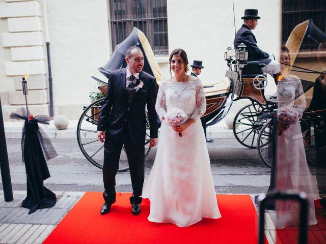 La boda de Gabriel y Azahara en Castelló/castellón De La Plana, Castellón 16