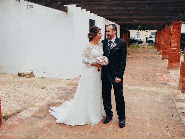 La boda de Gabriel y Azahara en Castelló/castellón De La Plana, Castellón 24