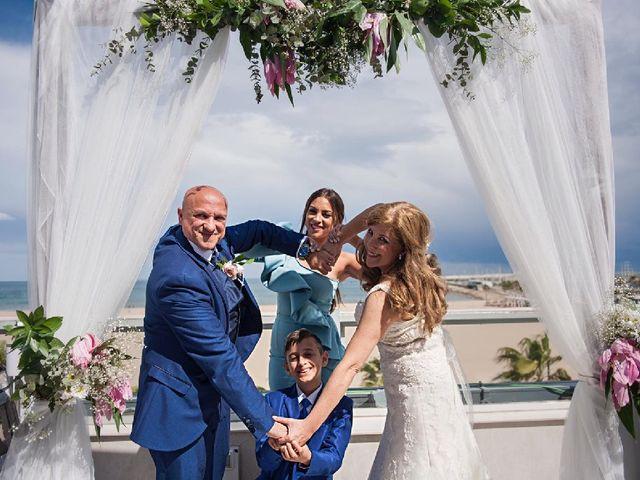 La boda de Joaquín  y María Ruth en Valencia, Valencia 6