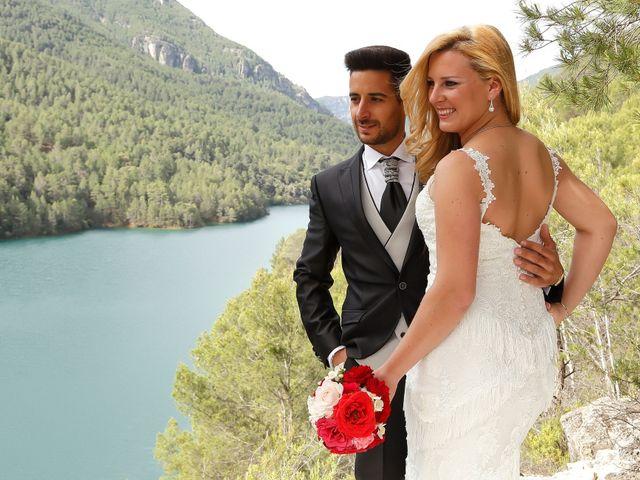 La boda de Jose Antonio y Reyes en Beas De Segura, Jaén 15