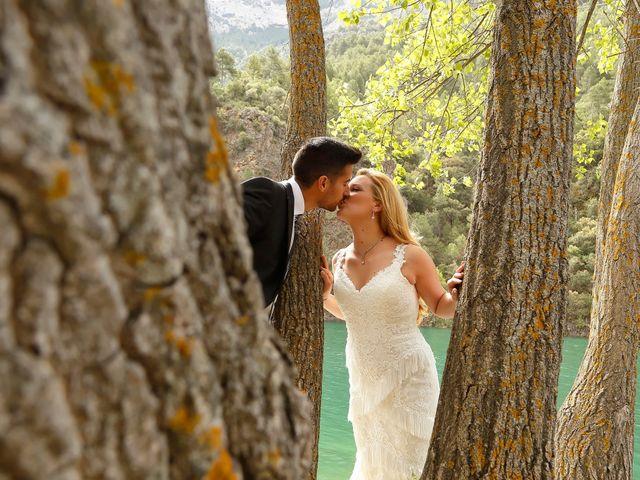 La boda de Jose Antonio y Reyes en Beas De Segura, Jaén 16