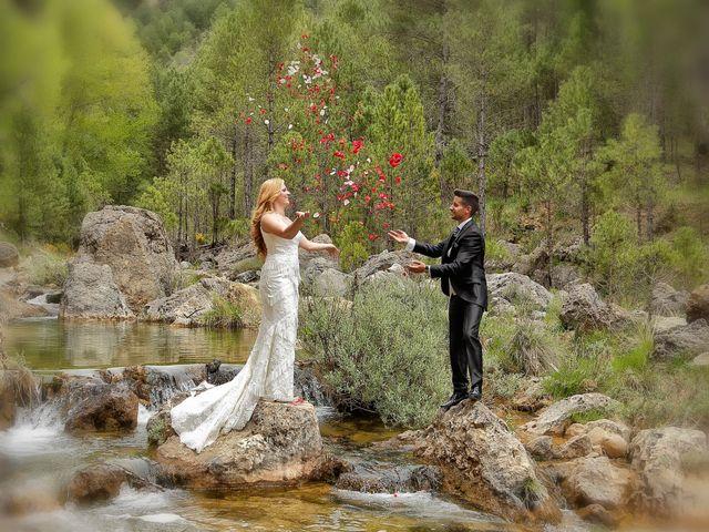 La boda de Jose Antonio y Reyes en Beas De Segura, Jaén 19