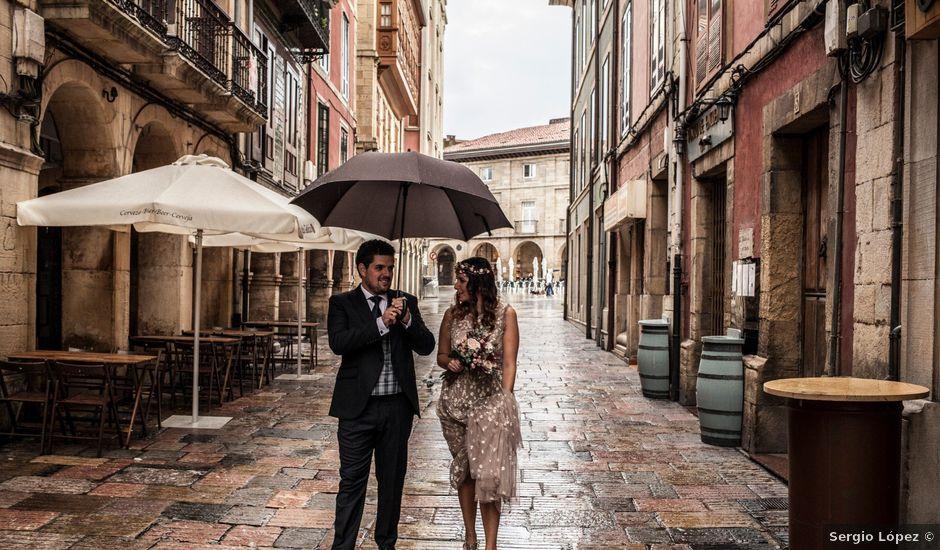 La boda de Luis y Andrea en Avilés, Asturias