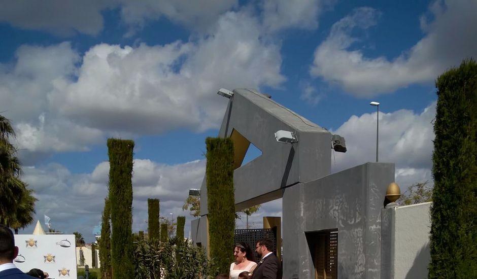 La boda de Manuel Miguel y Fátima en Huelva, Huelva