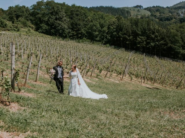 La boda de Dani y Itziar en Morga, Vizcaya 15