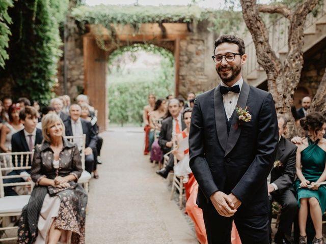 La boda de Gustavo y Silvia en Vilanova Del Valles, Barcelona 27