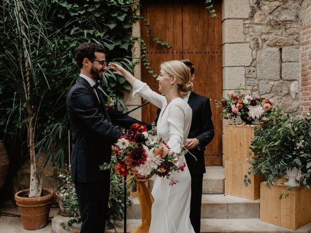 La boda de Gustavo y Silvia en Vilanova Del Valles, Barcelona 33
