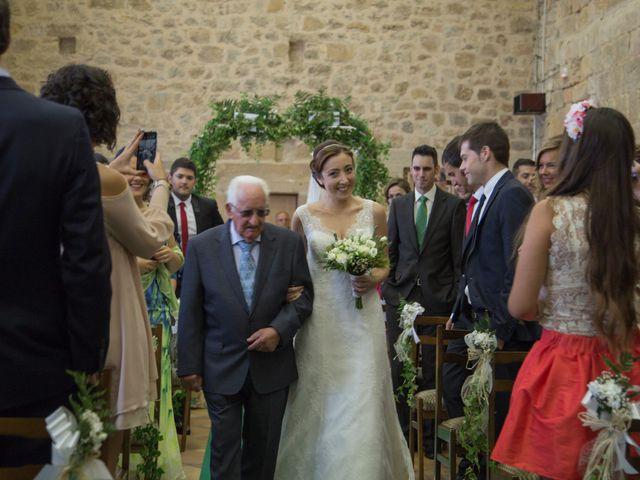La boda de Victor y Lara en Aguilar De Campoo, Palencia 13