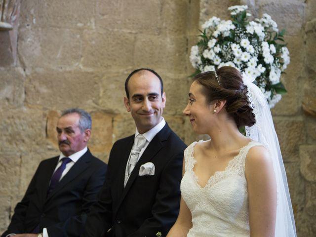 La boda de Victor y Lara en Aguilar De Campoo, Palencia 16