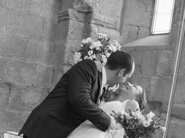 La boda de Victor y Lara en Aguilar De Campoo, Palencia 25