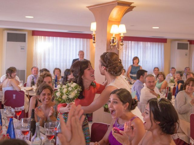 La boda de Victor y Lara en Aguilar De Campoo, Palencia 46