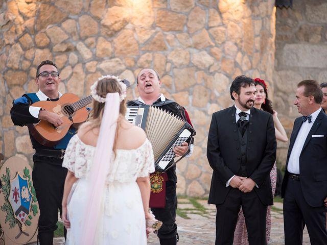 La boda de Javi y Deborah en Madrid, Madrid 27