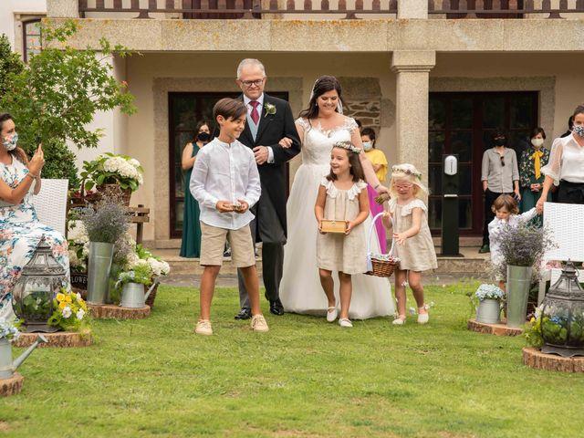 La boda de Héctor y Yolanda en Cambre, A Coruña 38