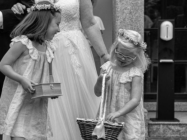 La boda de Héctor y Yolanda en Cambre, A Coruña 39