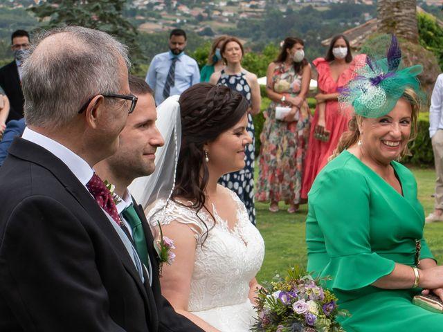 La boda de Héctor y Yolanda en Cambre, A Coruña 44