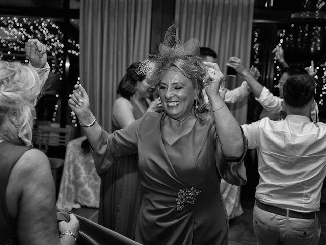 La boda de Héctor y Yolanda en Cambre, A Coruña 82