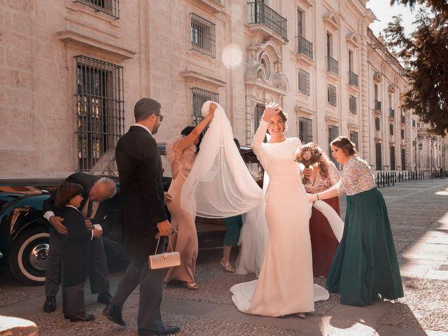 La boda de Adrián y Virginia en Los Palacios Y Villafranca, Sevilla 37