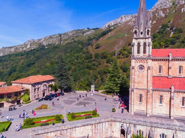 La boda de José y Lourdes en Cangas De Onis, Asturias 11