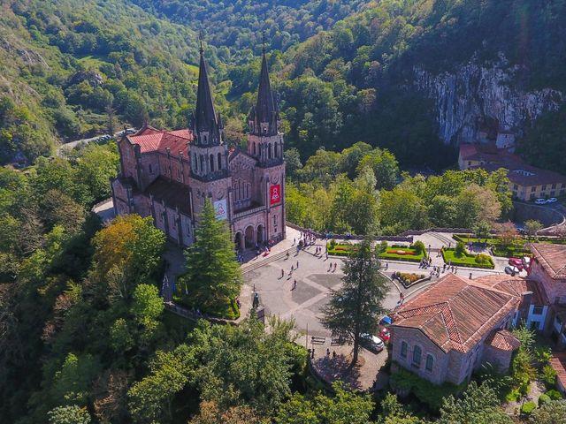 La boda de José y Lourdes en Cangas De Onis, Asturias 12