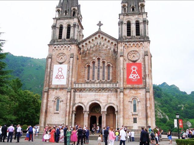 La boda de José y Lourdes en Cangas De Onis, Asturias 14