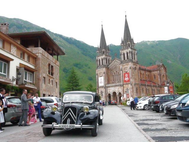 La boda de José y Lourdes en Cangas De Onis, Asturias 22
