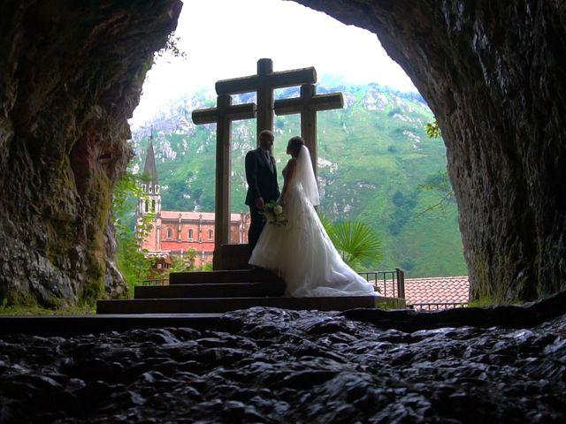 La boda de José y Lourdes en Cangas De Onis, Asturias 24