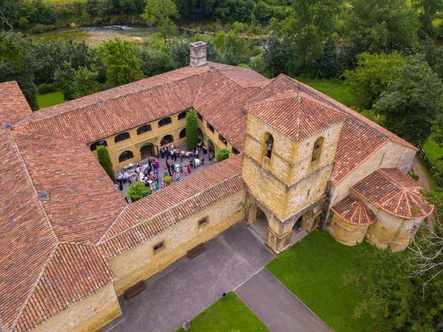 La boda de José y Lourdes en Cangas De Onis, Asturias 32