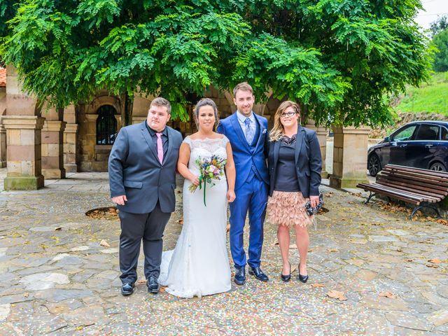 La boda de Angel y Saray en Camargo, Cantabria 27