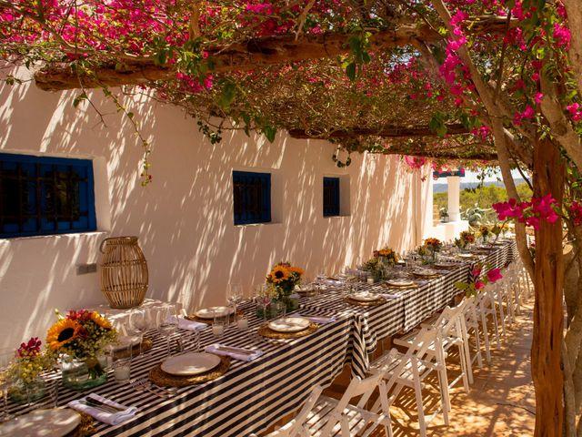 La boda de Yas y Gil en Sant Francesc De Formentera, Islas Baleares 13