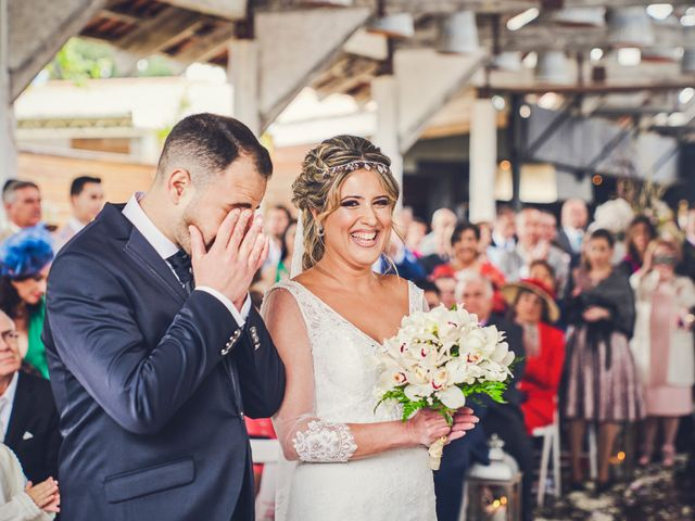 La boda de Nacho y Marisa en Torre Del Mar, Málaga 17