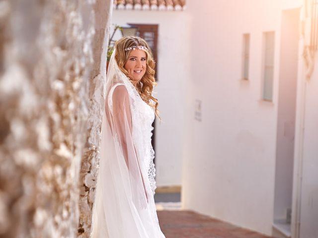 La boda de Nacho y Marisa en Torre Del Mar, Málaga 22
