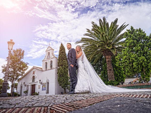 La boda de Nacho y Marisa en Torre Del Mar, Málaga 28
