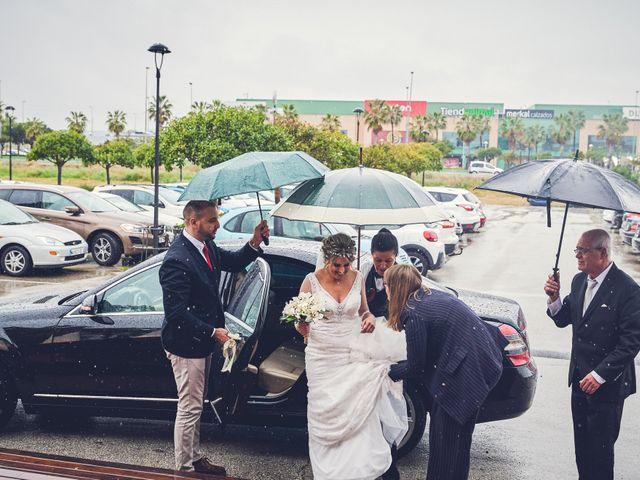 La boda de Nacho y Marisa en Torre Del Mar, Málaga 29