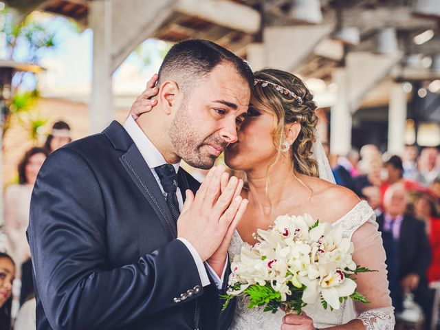 La boda de Nacho y Marisa en Torre Del Mar, Málaga 35
