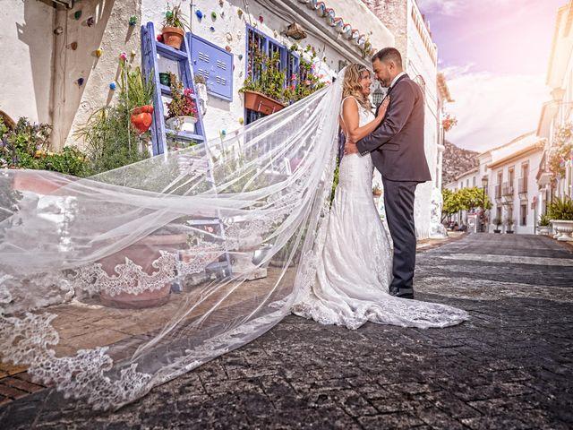 La boda de Nacho y Marisa en Torre Del Mar, Málaga 38