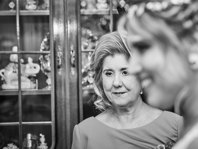 La boda de Nacho y Marisa en Torre Del Mar, Málaga 56