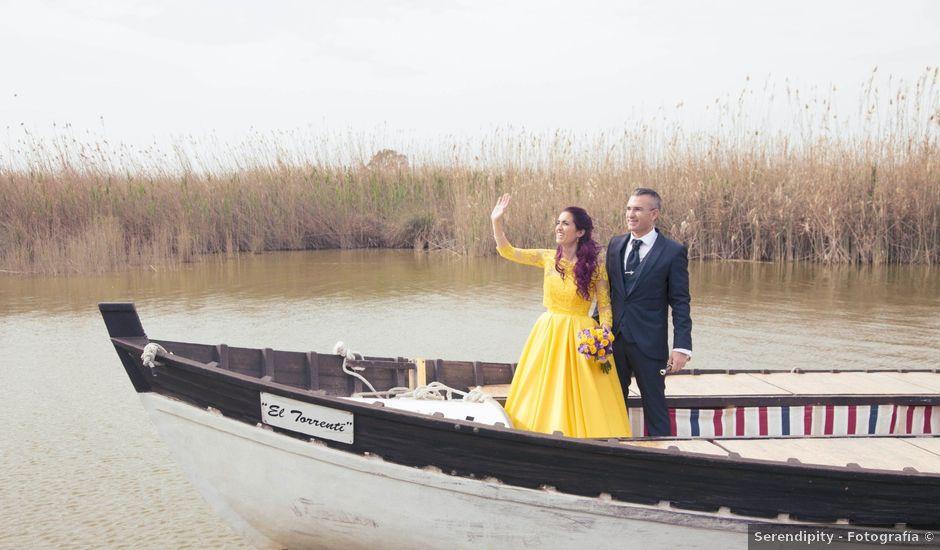 La boda de Juan y Paz en Valencia, Valencia