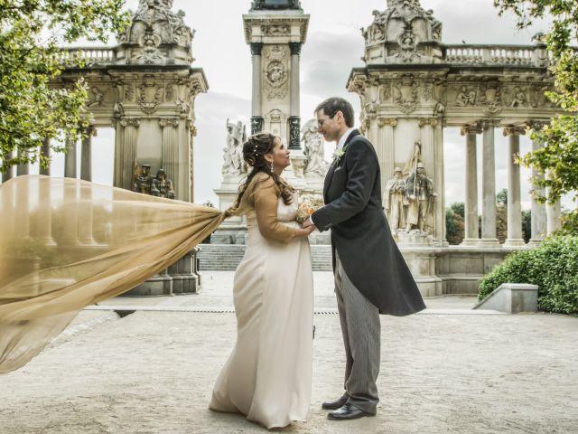 La boda de Alfredo y Miriam en Madrid, Madrid 13