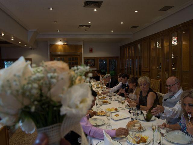 La boda de Alfredo y Miriam en Madrid, Madrid 16