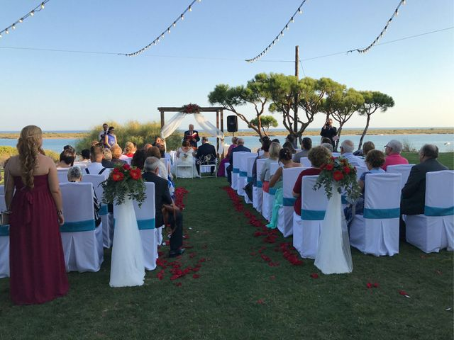 La boda de Santi y Rocio  en Huelva, Huelva 5