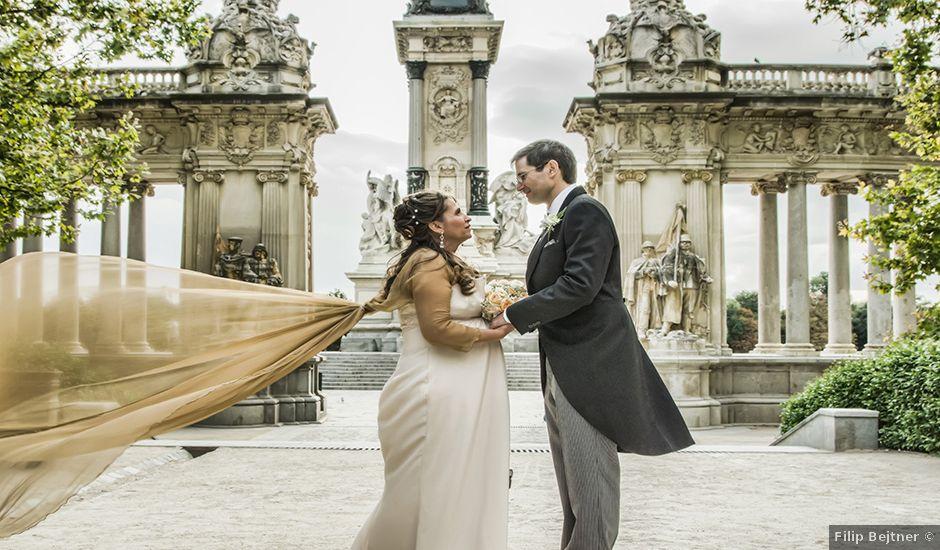 La boda de Alfredo y Miriam en Madrid, Madrid