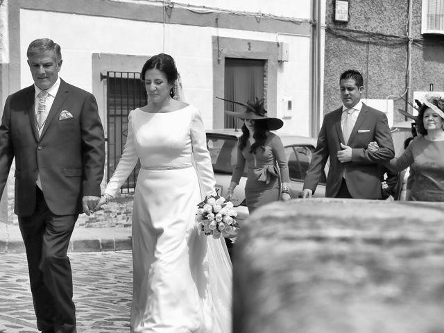 La boda de Raúl y Pepa en Santisteban Del Puerto, Jaén 16