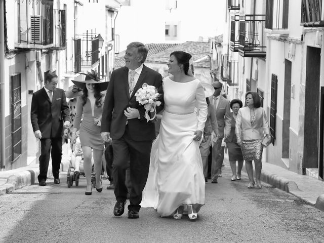 La boda de Raúl y Pepa en Santisteban Del Puerto, Jaén 17