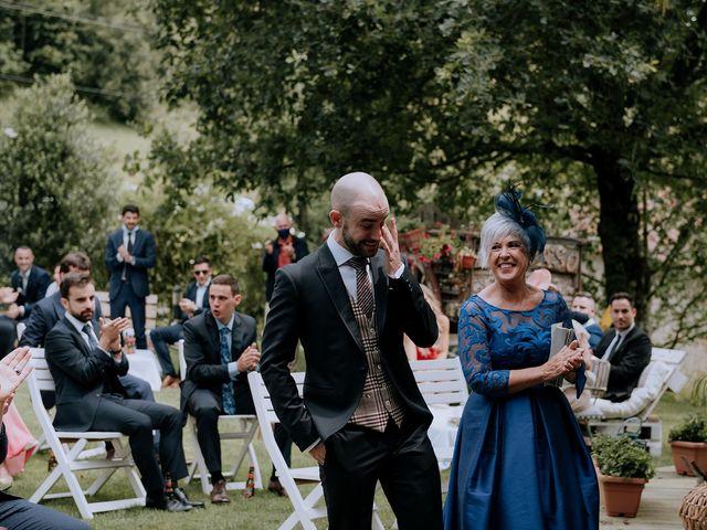 La boda de Mikel y Nerea en Atxondo, Vizcaya 32