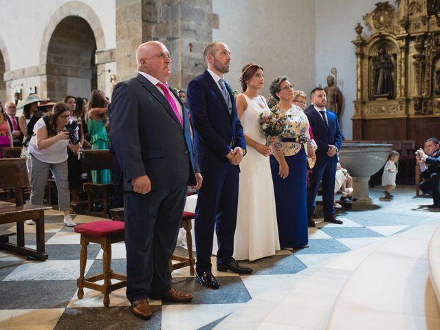 La boda de Raúl y Nuria en Cangas De Narcea, Asturias 16